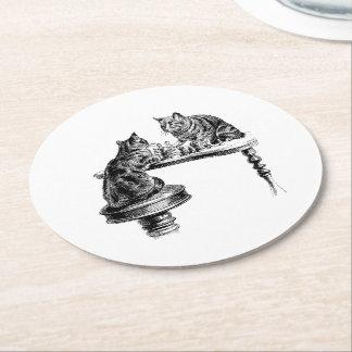 Porta-copo De Papel Redondo Jogos de mesa: Dois gatos que jogam um fósforo da