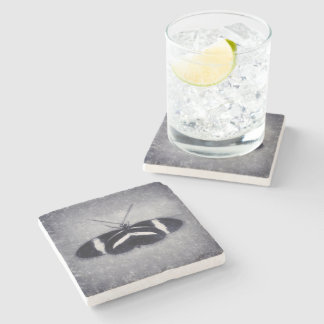 Porta-copo De Pedra Borboleta preto e branco do esboço
