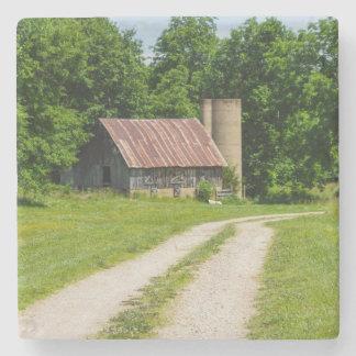Porta-copo De Pedra Caminho através de uma fazenda