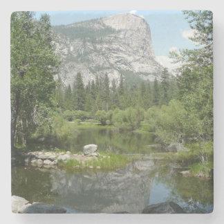 Porta-copo De Pedra Opinião do lago mirror no parque nacional de