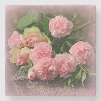 Porta-copo De Pedra Rosas bonitos do rosa do buquê na porta copos de