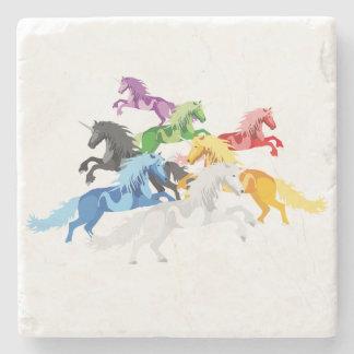 Porta-copo De Pedra Unicórnios selvagens coloridos da ilustração