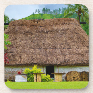 Porta-copo Fijian tradicional Bure, vila de Navala, Fiji