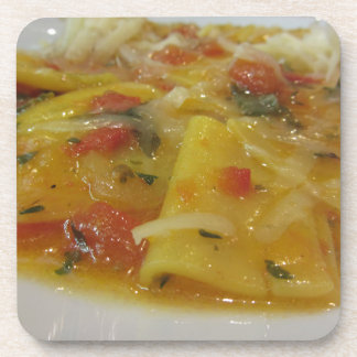 Porta-copo Massa caseiro com molho de tomate, cebola,