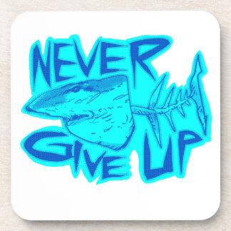 Porta-copo nunca dê acima o grande tubarão branco