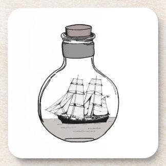 Porta-copo O navio no bulbo de vidro