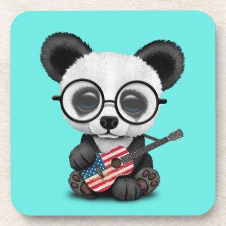 Porta-copo Panda do bebê que joga a guitarra da bandeira