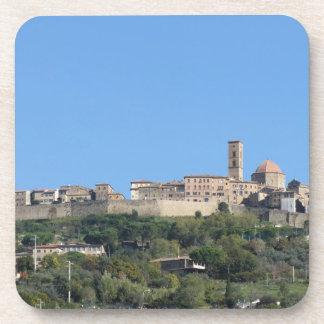 Porta-copo Panorama da vila de Volterra, província de Pisa