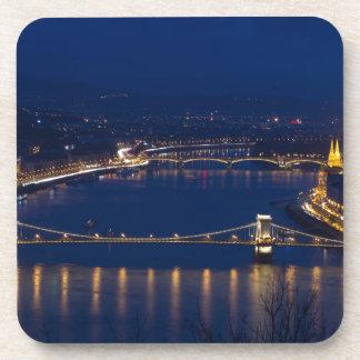 Porta-copo Ponte Chain Hungria Budapest na noite