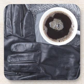 Porta-copo Vista superior de uma chávena de café branca e de