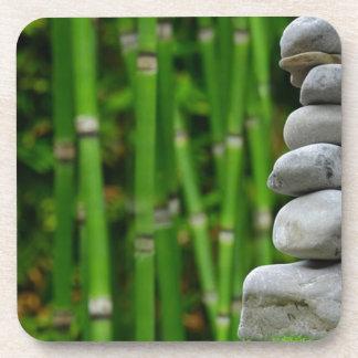 Porta-copos A monge da meditação do jardim do zen apedreja o