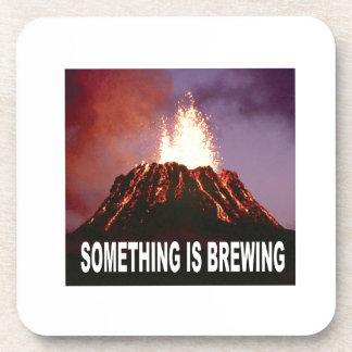 Porta Copos Algo está fabricando cerveja