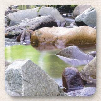 Porta-copos angra entre pedras