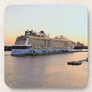 Porta Copos Aurora e navio de cruzeiros do porto de Nassau