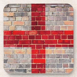 Porta-copos Bandeira de Inglaterra em uma parede de tijolo