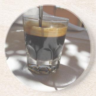 Porta-copos Café do café com a casca do rum, do açúcar e de