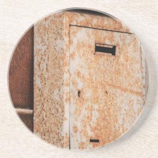 Porta-copos Caixa postal oxidada fora