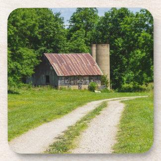 Porta-copos Caminho através de uma fazenda