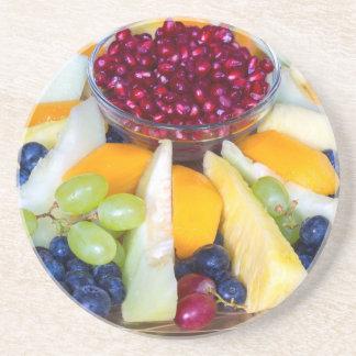 Porta-copos Cheio de vidro da escala de várias frutas frescas