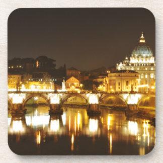 Porta Copos Cidade do Vaticano, Roma, Italia na noite