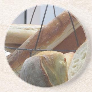 Porta-copos Composição com tipos diferentes de pão cozido