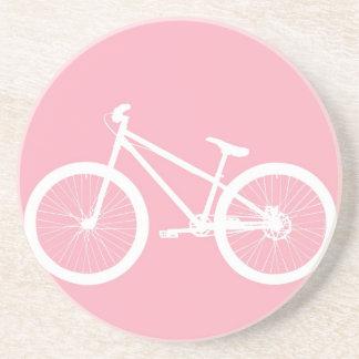 Porta copos cor-de-rosa e branca da bicicleta do v