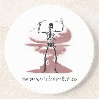 Porta-copos De Arenito A guerra nuclear é má para o negócio
