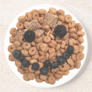 Porta-copos De Arenito Cara de sorriso bonito da fruta e do cereal
