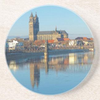 Porta-copos De Arenito Catedral de Magdeburgo com rio Elbe 01