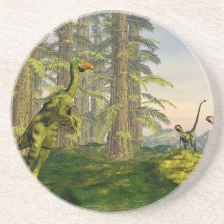 Porta-copos De Arenito Caudipteryx e dinossauros do dilong - 3D rendem