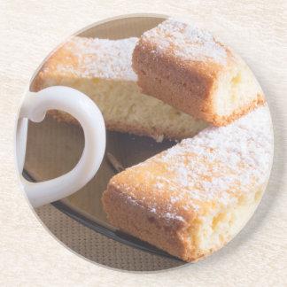 Porta-copos De Arenito Chá e uma placa de biscoitos frescos