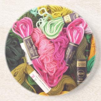 Porta-copos De Arenito Coração cor-de-rosa brilhante colorido bonito do