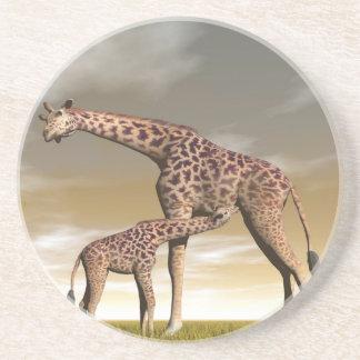 Porta-copos De Arenito Girafa da mãe e do bebê - 3D rendem