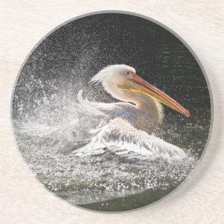 Porta-copos De Arenito Pelicano impressionante na água