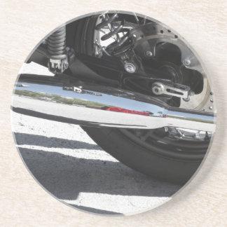 Porta-copos De Arenito Tubulação de exaustão cromada motocicleta. Vista