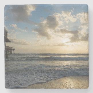 Porta Copos De Pedra Uma manhã gloriosa da praia