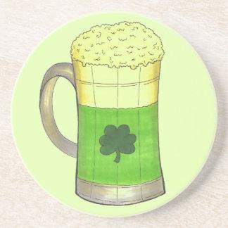 Porta-copos De St Patrick irlandês do trevo da cerveja verde o