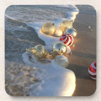 Porta-copos Decorações do Natal no surf do oceano