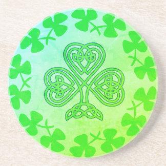 Porta copos do trevo do dia de St Patrick