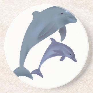 Porta-copos Dois golfinhos tropicais que saltam ao lado de se
