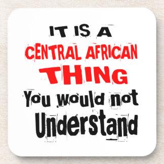 PORTA-COPOS É DESIGN DA ÁFRICA CENTRAL DA COISA