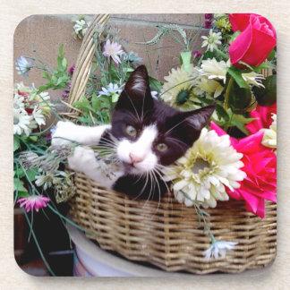 Porta-copos Gatinho em uma cesta