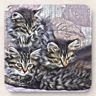 Porta-copos Gatinhos que relaxam em uma cadeira