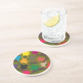 Porta copos multicolorido do bebendo - pintura