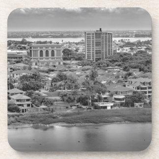 Porta Copos Opinião aérea de Guayaquil do plano da janela