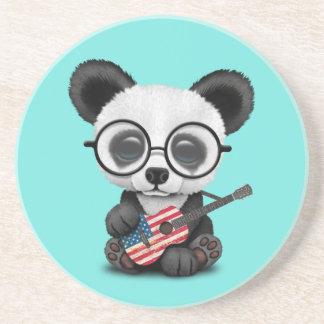 Porta-copos Panda do bebê que joga a guitarra da bandeira