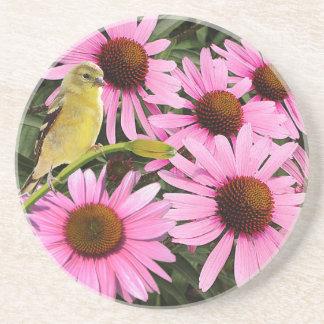 Porta-copos Passarinho amarelo e flores cor-de-rosa do cone -