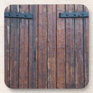 Porta-copos Portas de madeira velhas de Brown com apoios