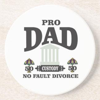 Porta-copos pro equidade do pai na corte