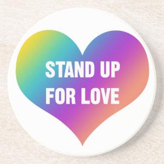 Porta-copos Represente acima o amor (o coração do arco-íris)